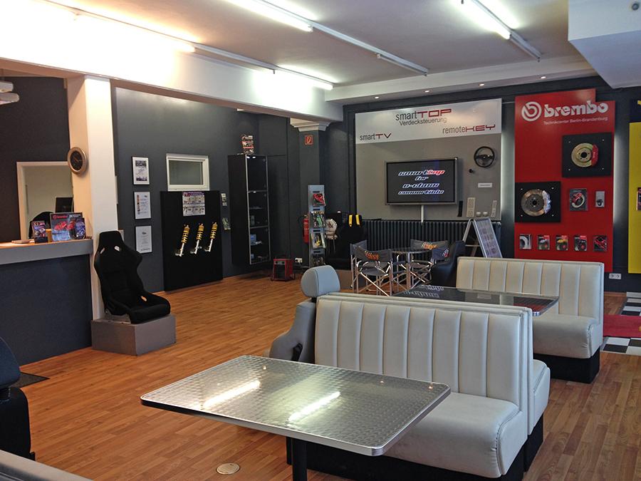 ber uns performance center berlin. Black Bedroom Furniture Sets. Home Design Ideas
